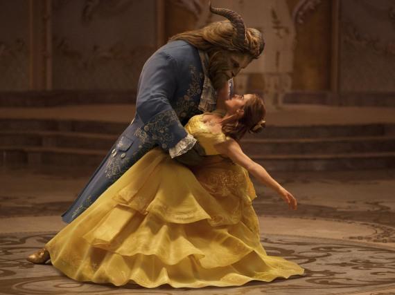 Seit 16. März verzaubern Dan Stevens als Biest und Emma Watson als Belle die deutschen Kinogänger