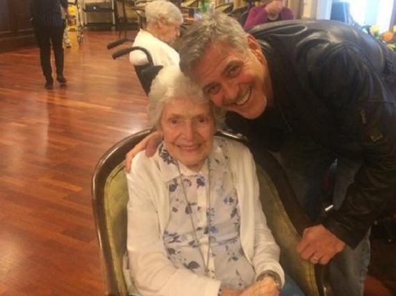 George Clooney hat junge und alte Fans auf der ganzen Welt