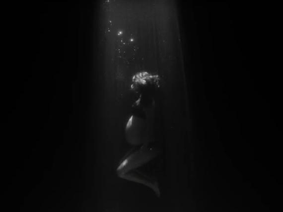 Natalie Portman hochschwanger in James Blakes neuem Musikvideo
