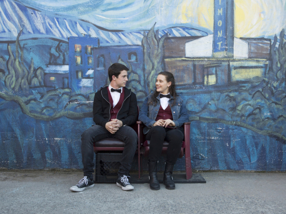 Katherine Langford alias Hannah und Dylan Minnette alias Clay in