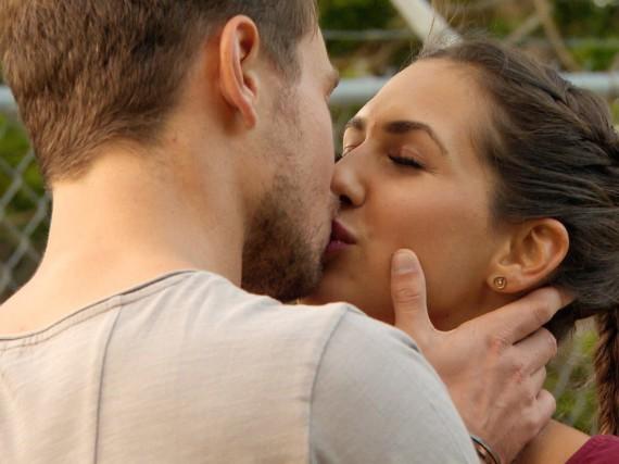 Wurde mit diesem Kuss die Liebe zwischen Sebastian und Clea-Lacy besiegelt?