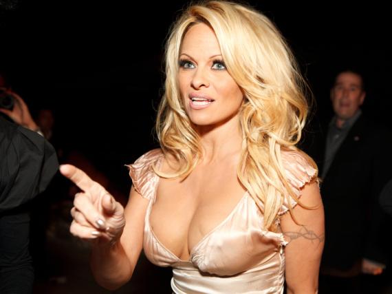 Pamela Anderson hat in einer Comedyshow einen peinlichen Auftritt hingelegt