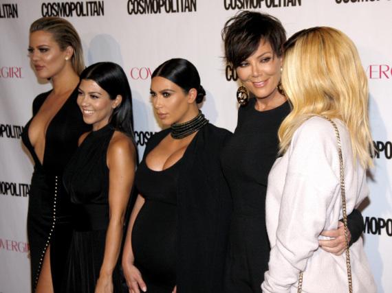 Gibt es die Ladys bald als Comic: Khloe, Kourtney und Kim Kardashian sowie Kris und Kylie Jenner (v.l.n.r.)