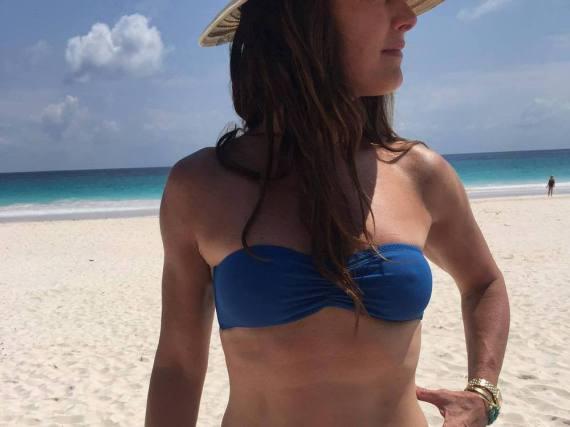Brooke Shields zeigt sich ihren Fans im Bikini