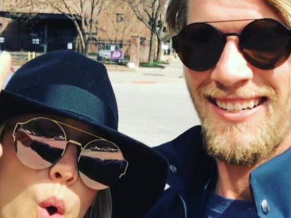 Kaley Cuoco war mit ihrem Freund in Nebraska