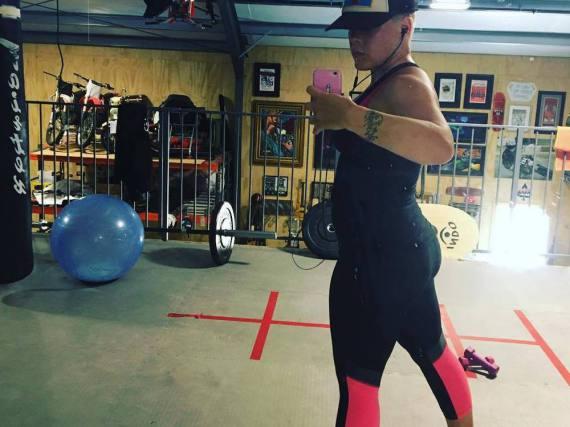 Pink hat sich beim Sport geknipst