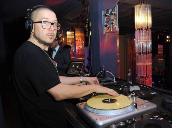 Dafür ist er bekannt: DJ Tomekk am Plattenteller