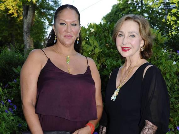 Christine Kaufmann (r.) mit ihrer Tochter Allegra Curtis auf einem Sommerfest im vergangenen Jahr