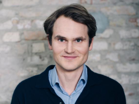 Fabian Hinrichs spielt Hauptkommissar Felix Voss