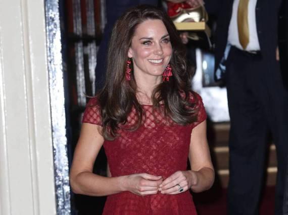 Herzogin Kate zog als Lady in Red alle Blicke auf sich
