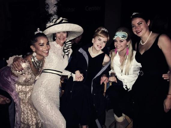 Reese Witherspoon (2.v.r.) und ihre Kolleginnen hatten offensichtlich viel Spaß beim Dreh