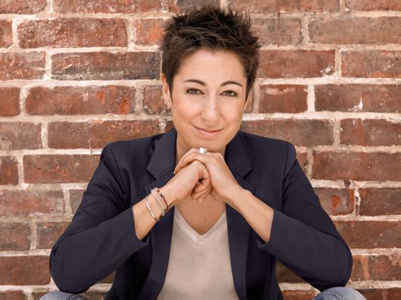 Dunja Hayali präsentiert ab Juli die dritte Staffel ihres Talkmagazins