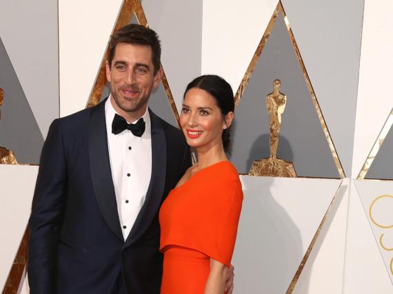 Olivia Munn und Aaron Rodgers bei den Oscars im vergangenen Jahr