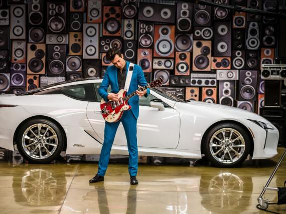 Mark Ronson übernimmt Jude Laws Job als Markenbotschafter von Lexus