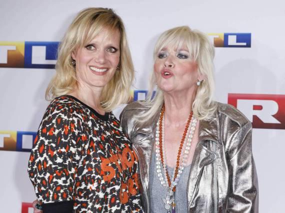 Gaby Köster (r.) und Anna Schudt bei der Premiere von
