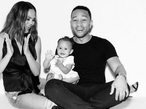 Die vermutlich süßeste Familie Hollywoods: Chrissy Teigen mit Töchterchen Luna und Ehegatte John Legend