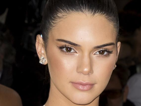 Kendall Jenner hat mit ihrem Werbespot für Pepsi jede Menge Unmut auf sich gezogen