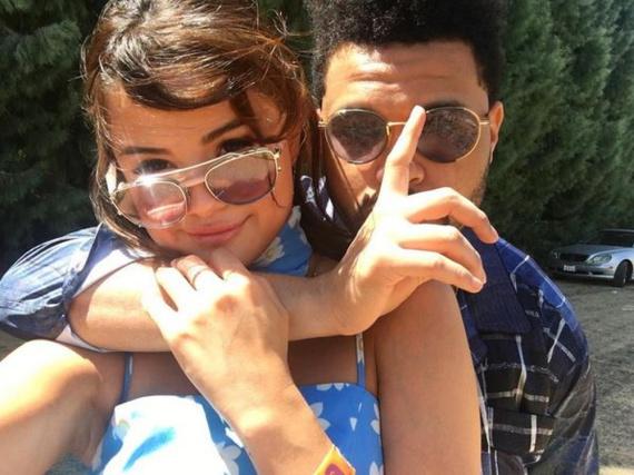 Mit diesem Pärchenfoto lässt Selena Gomez die Herzen ihrer Fans höherschlagen.